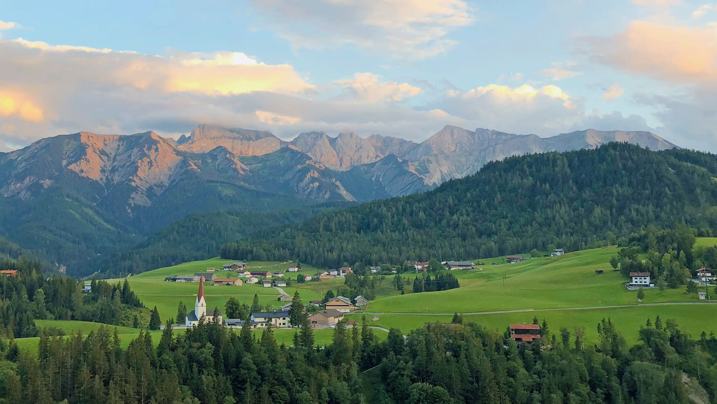 Das Bergsteigerdorf Steinberg am Rofan