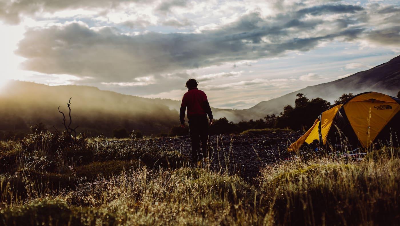 Klare Luft und bunte Blätter – das Campen im Herbst hat einen ganz besonderen Reiz.