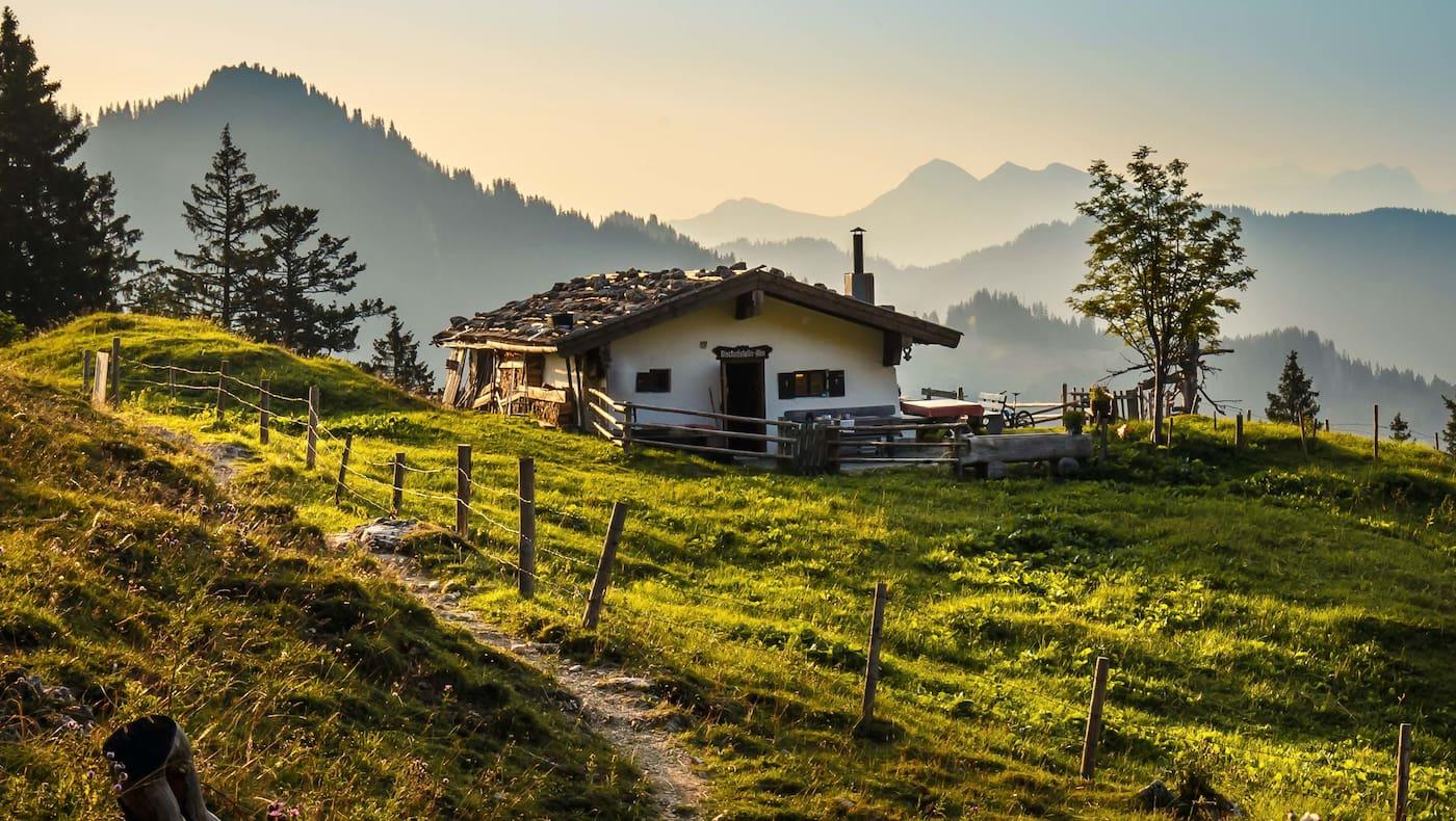 Urig und sehr gemütlich - die Almen im Chiemgau.
