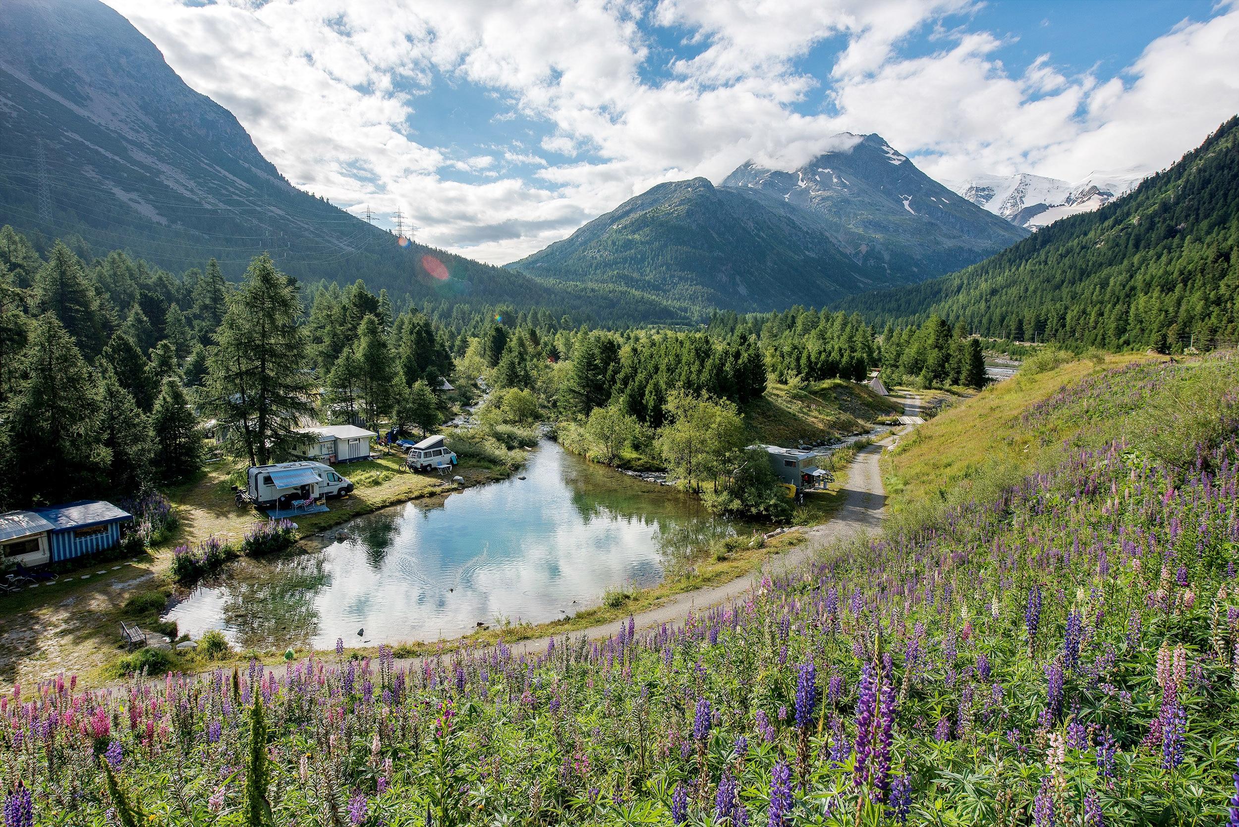 Die Schönsten Campingplätze In Der Schweiz Bergwelten