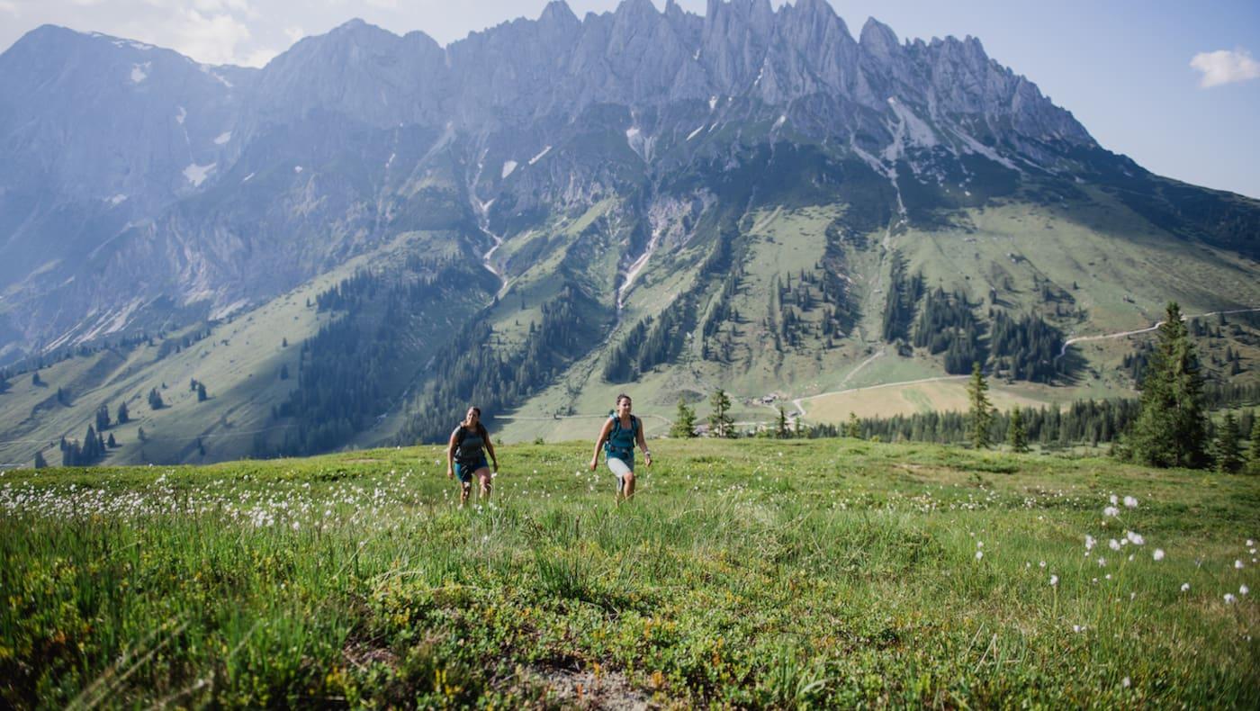 Mit seiner zackige Silhouette erinnert der Hochkönigs stark an die Dolomiten.