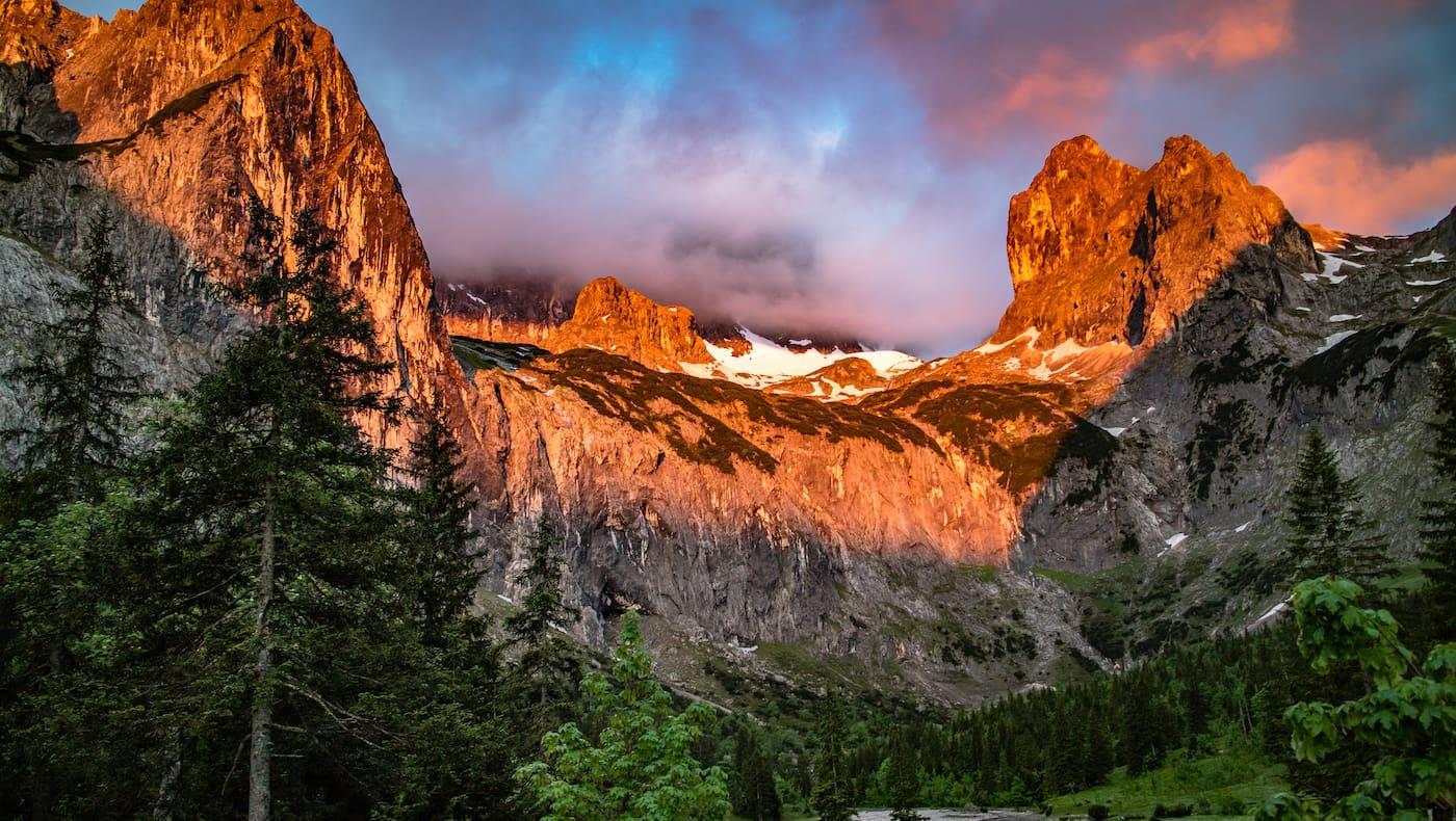 Alpenglühen am Zugspitz-Massiv
