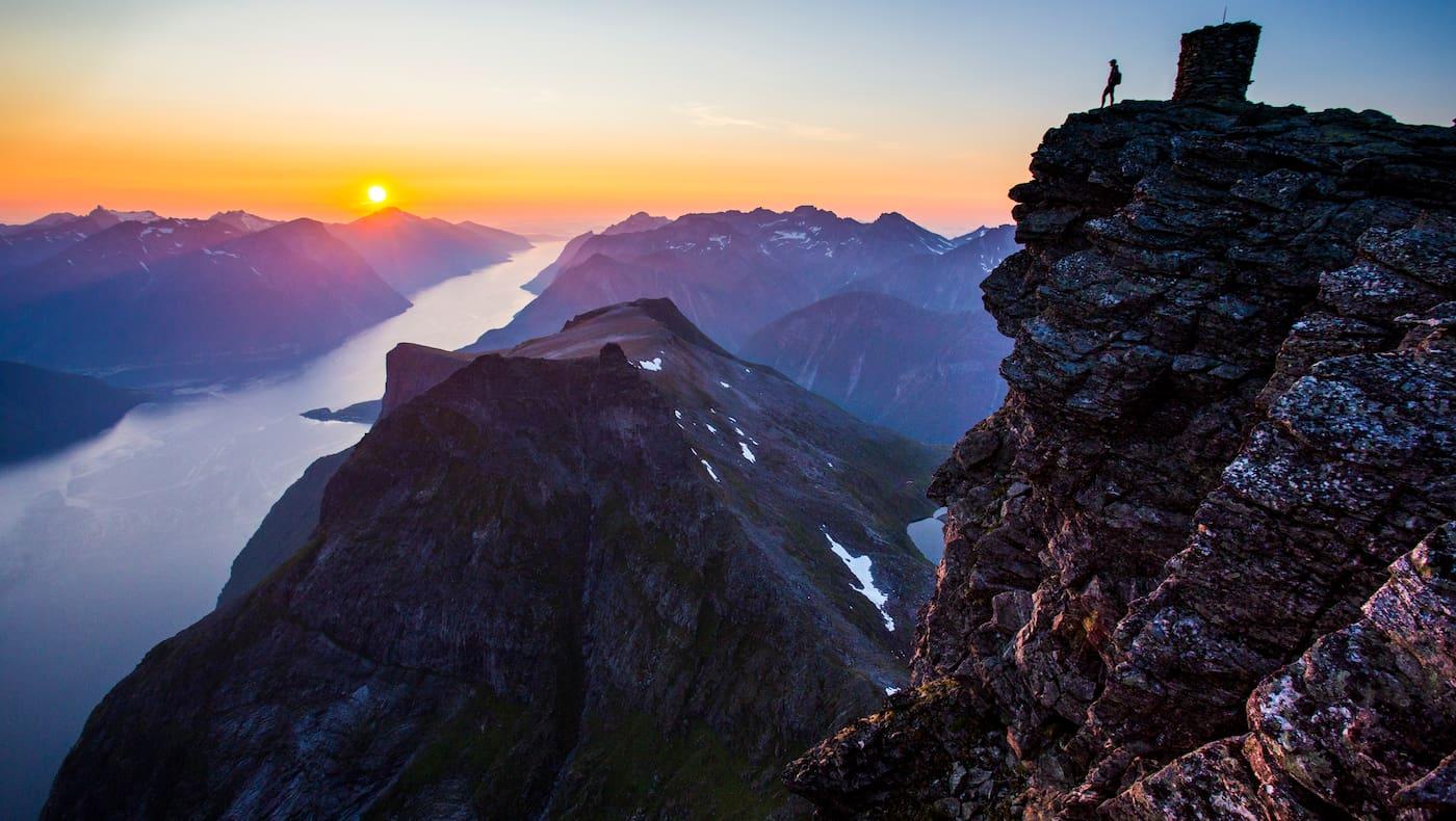 Wandern Klettersteig Fjord Norwegen Bergwelten