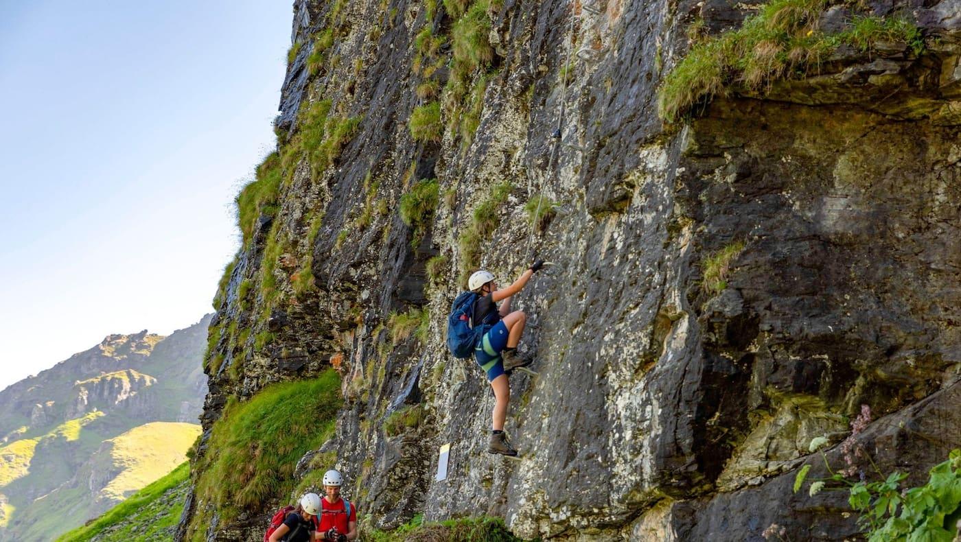 Die steile Einstiegswand