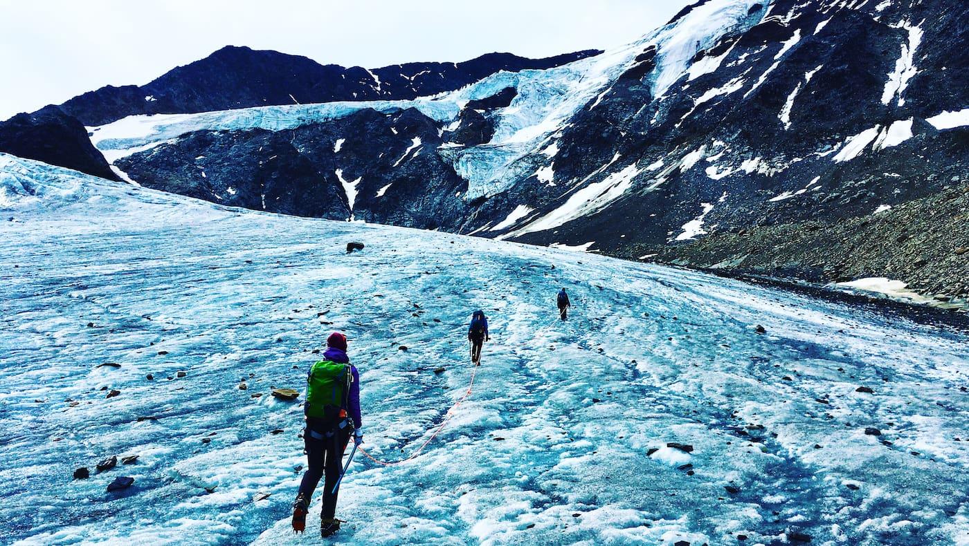 Seilschaft am Gletscher im Tiroler Pitztal