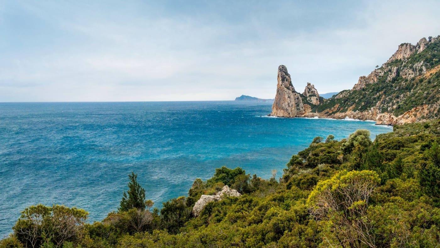Blick auf die malerische Küste.