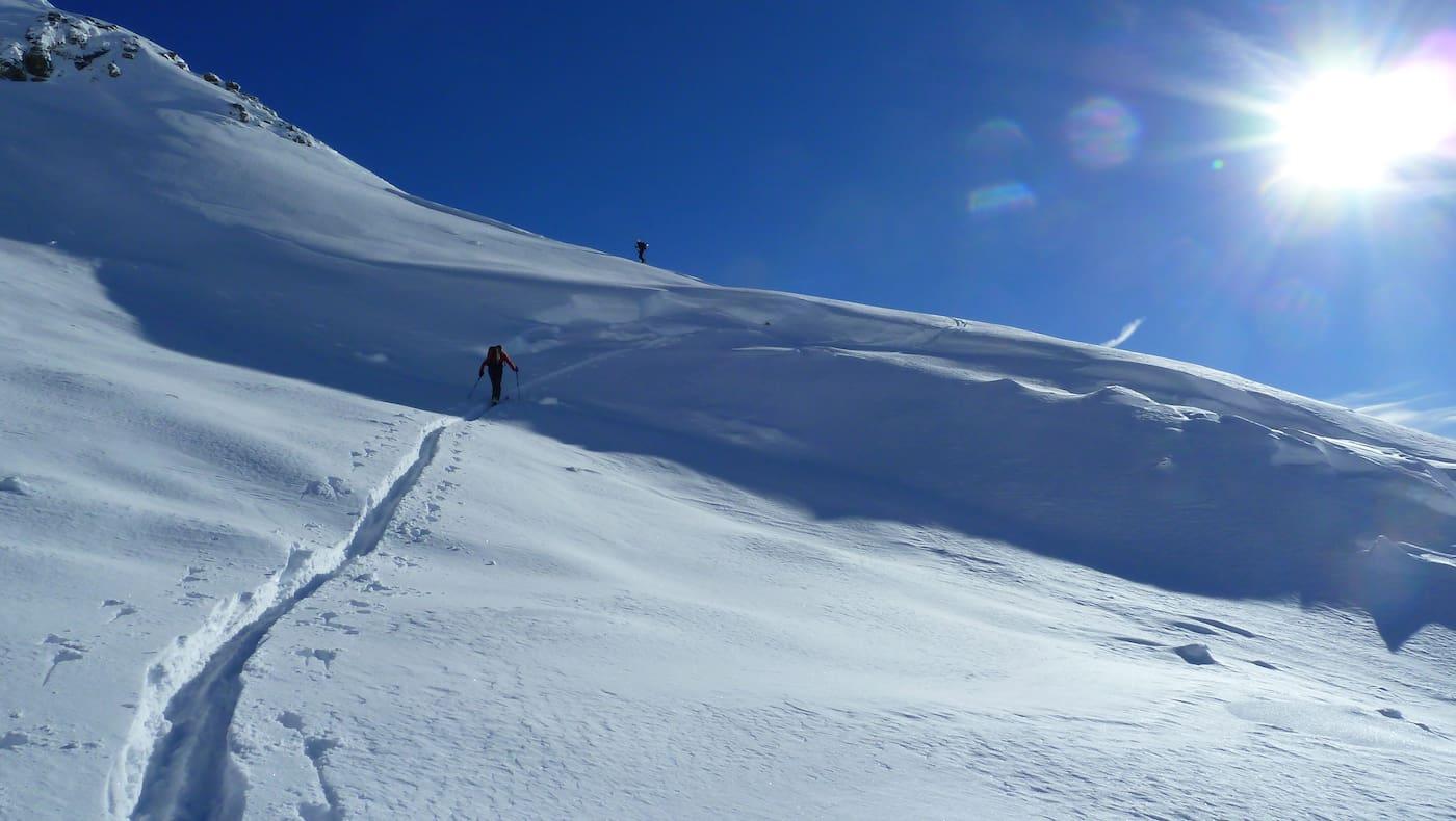 Raus in die Sonne - auch am Nachmittag geht sich eine kleine Skitour aus.