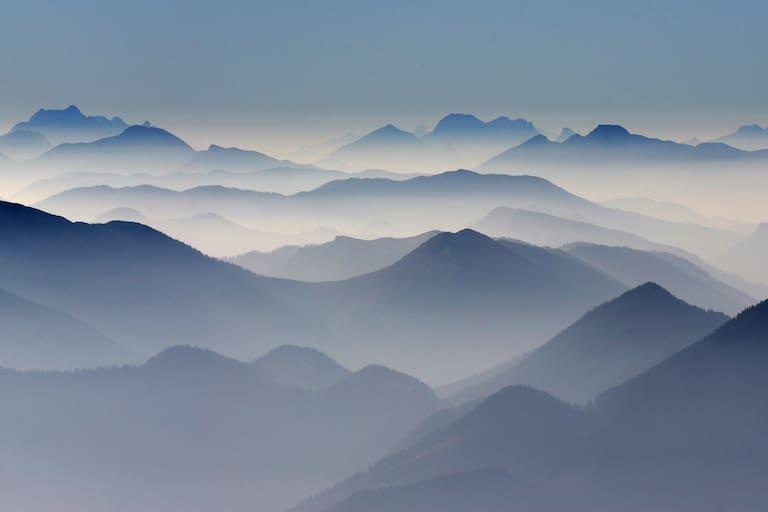 Blick vom Schneeberg nach Westen mit Gesäuse und Dachstein
