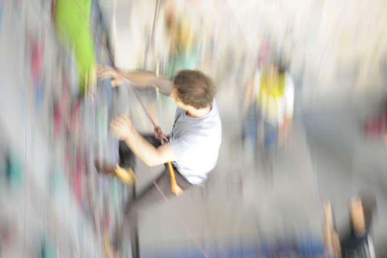 Krafteinwirkung: Sturz beim Klettern in der Halle