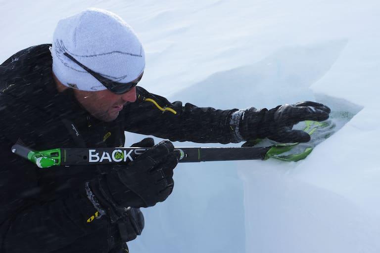 Alpin-Sachverständiger: Schneedeckenuntersuchung nach Lawinenunfall