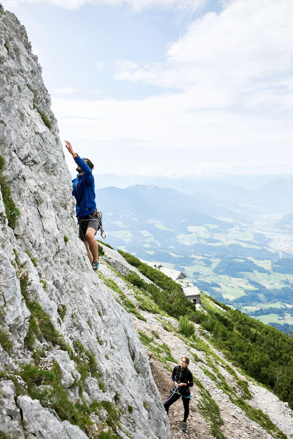 Hinter der Hütte ist ein Klettergarten, das Seil dafür kann man bei Hüttenwirt Gerhard ausborgen.
