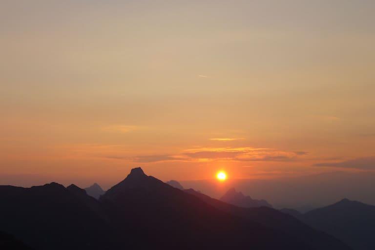 Tirol: Sonnenaufgang im Birkental