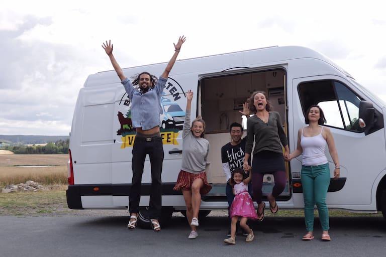 Laura und ihre Freunde vom Altruismus e.V.-Verein
