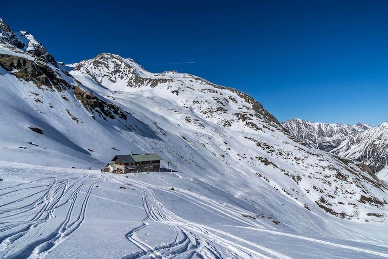 Schneeschuhtour Pforzheimer Hütte, Stubaier Alpen, Tirol