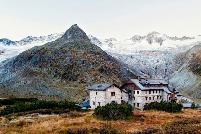 Berg-Chalet: Die Berliner Hütte (2.044 m) in den Zillertaler Alpen