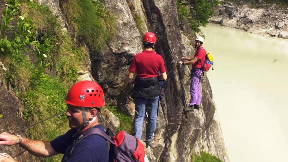 Klettersteig Wallis : Der aletsch klettersteig c bergwelten