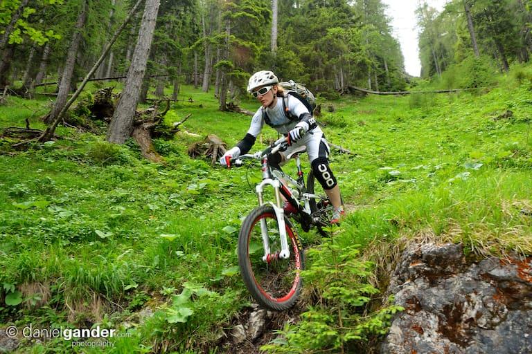 Maria Sendlhofer-Schag beim Mountainbiken