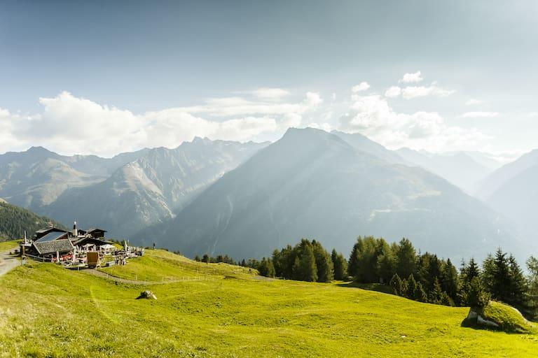 Die Gampe Thaya ist eine Gourmet-Hütte in den Ötztaler Alpen.