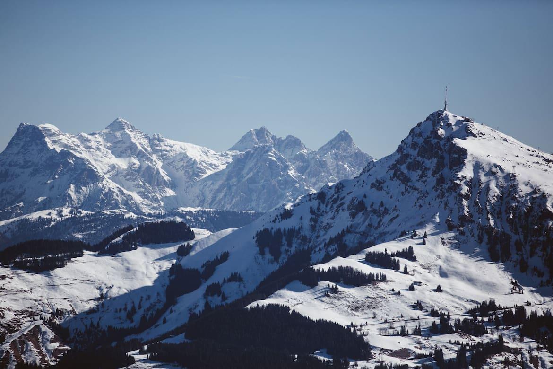 Alpen-Panorama aus dem Heißluftballon