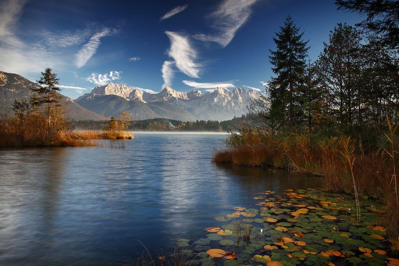 Der Barmsee – im Herbst mit leichtem Nebel