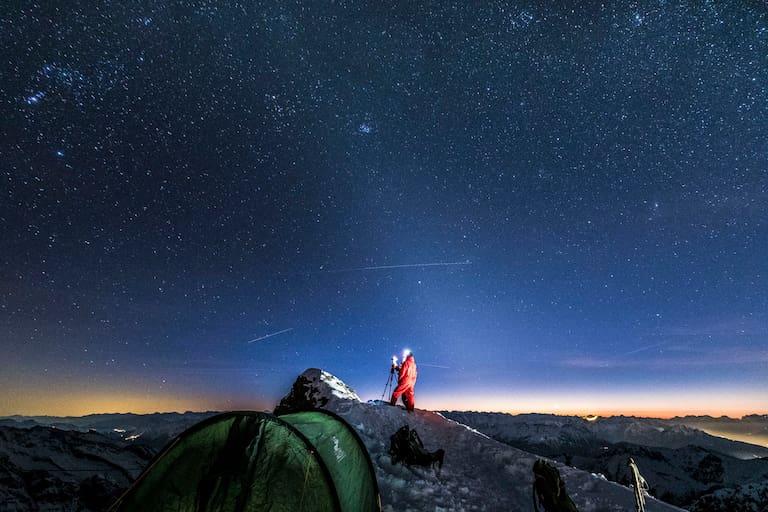 Berge unter Sternen