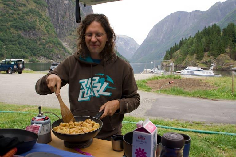 Werner Moser und sein Campingkocher