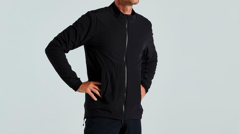 Die Trail-Series Alpha Jacket aus Polartec® Alpha® bringt Wärme in kalten Tage.