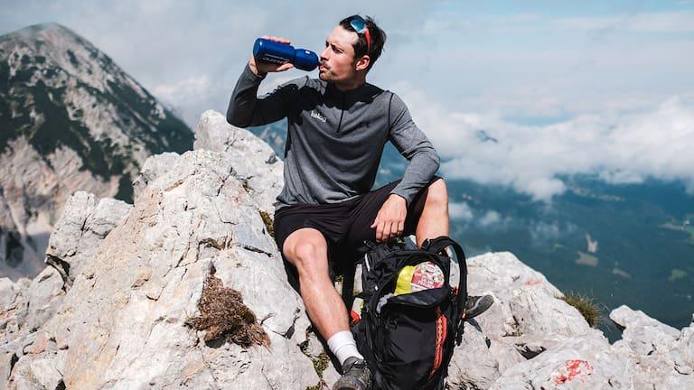 Profi-Snowboarder Alex Prayer gibt uns Tipps, für die ideale Verpflegung am Berg.