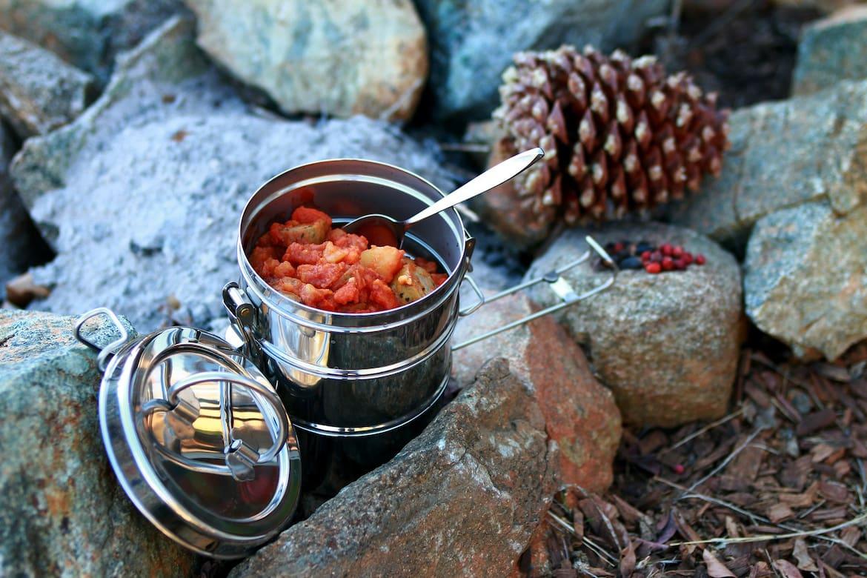 Heiße Speisen wärmen von innen und führen dem Körper zusätzliche Energie zu.