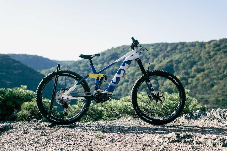 Das Husqvarna Hardcross 8 ist das perfekte E-MTB-Enduro für alle Biker, die die Herausforderung lieben.