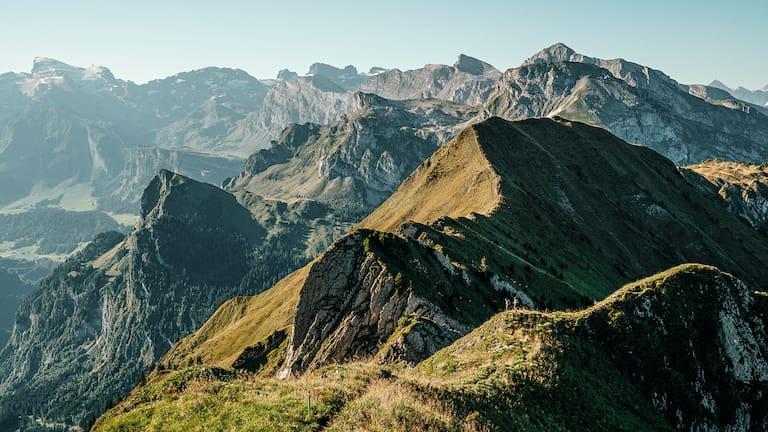 Der Tell-Trail führt in acht Tagesetappen von Altdorf auf das Brienzer Rothorn.