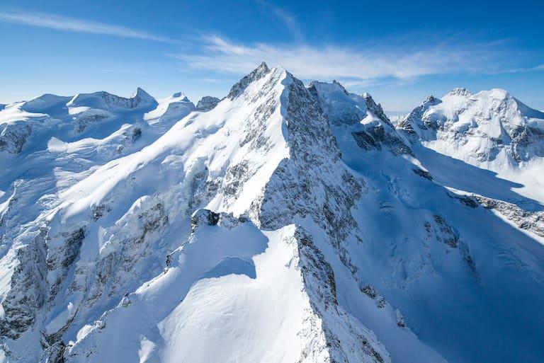 Biancograt auf den Piz Bernina vom Flugzeug aus fotografiert
