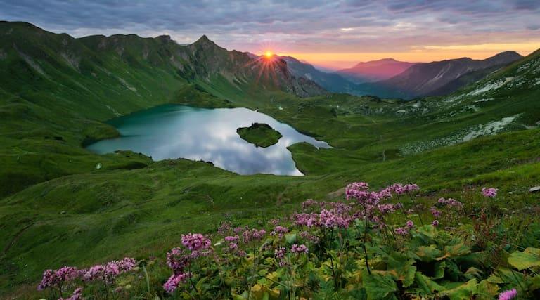 Der Schrecksee bei Bad Hindelang in den Allgäuer Alpen in Bayern