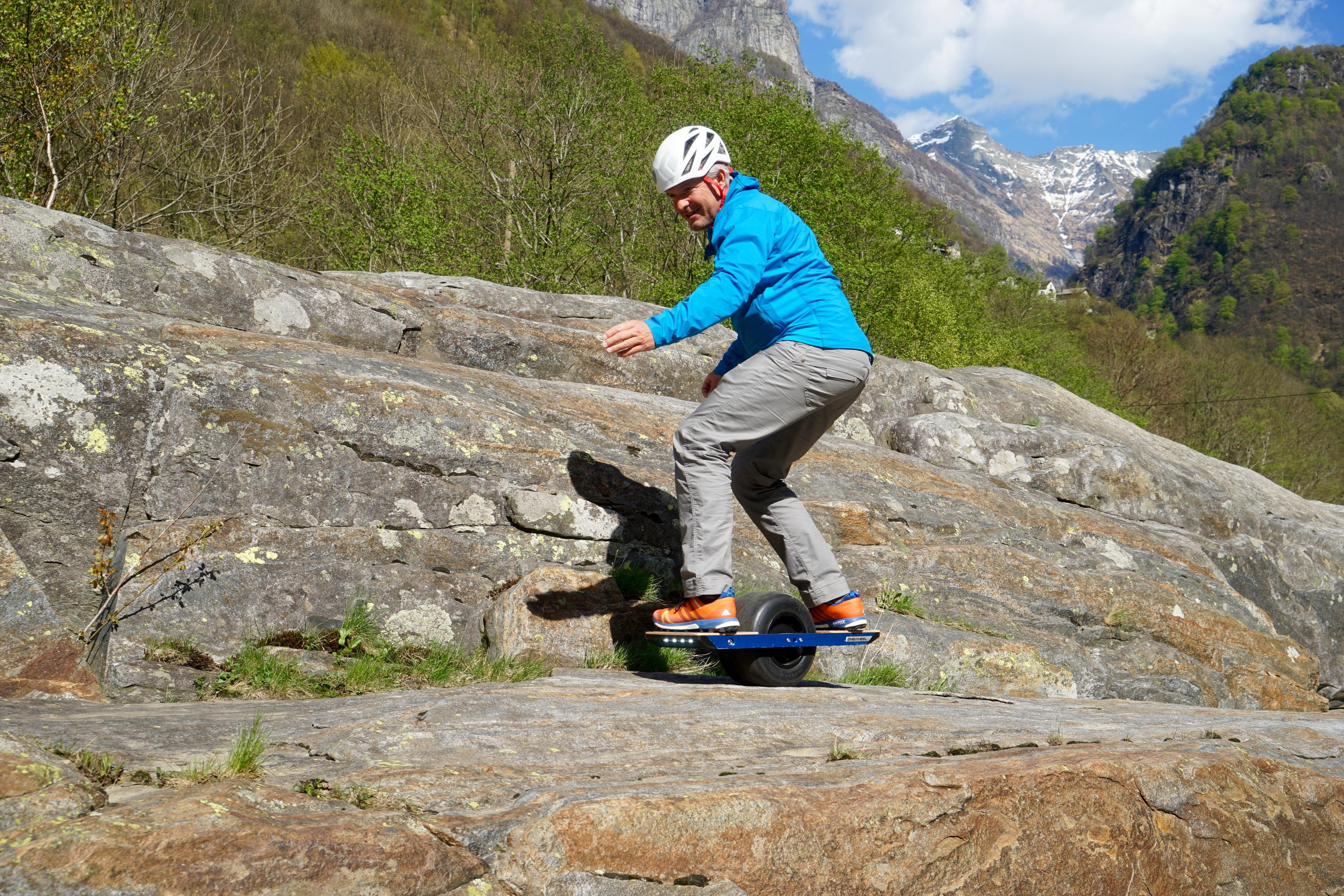 Das Onewheel im Test | Bergwelten