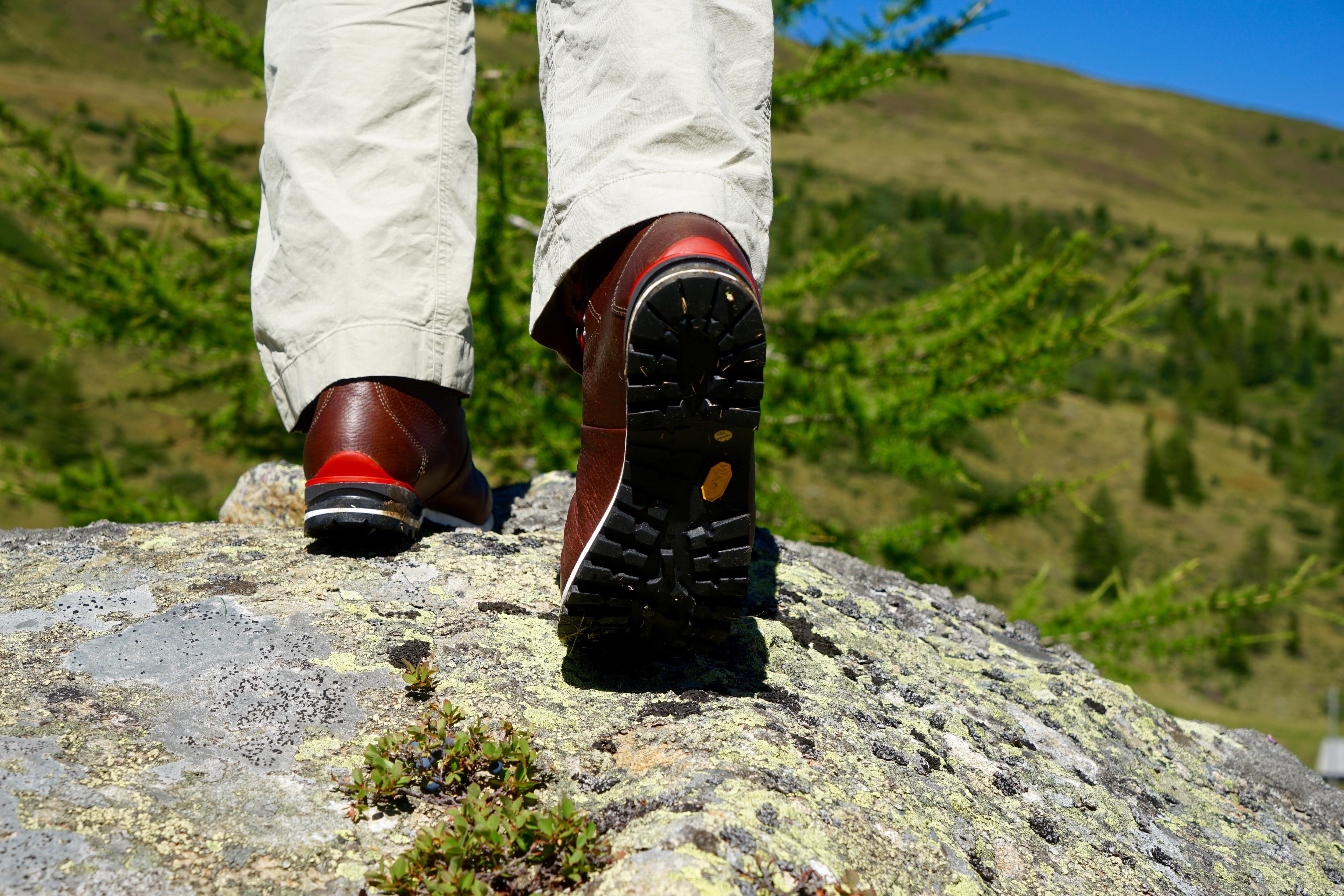 Test: Retro Wanderschuh Wendelstein von Lowa | Bergwelten