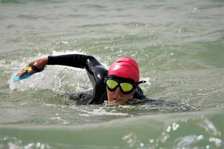 Langstreckenschwimmen gibt Energie und kühlt ab