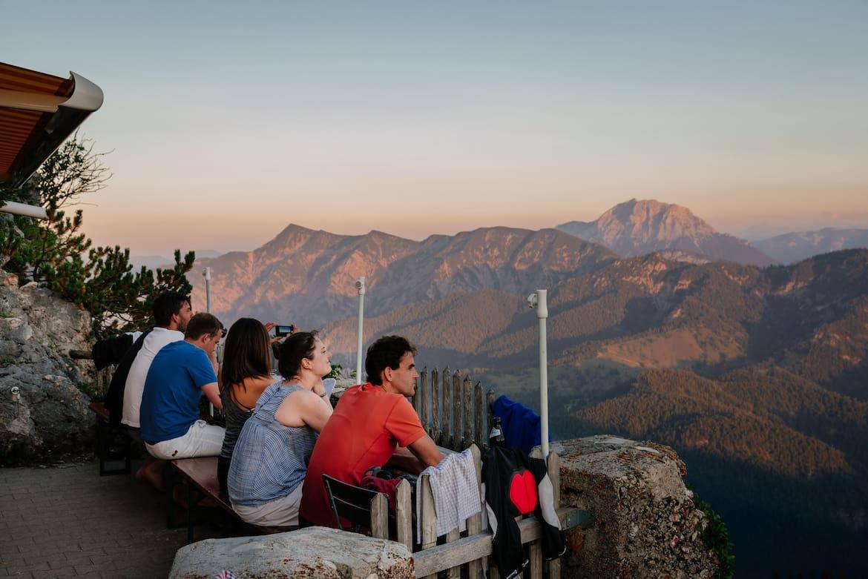 Bei gutem Wetter hat die Tegernseer Hütte einen der schönsten Sonnenuntergänge der Ostalpen.