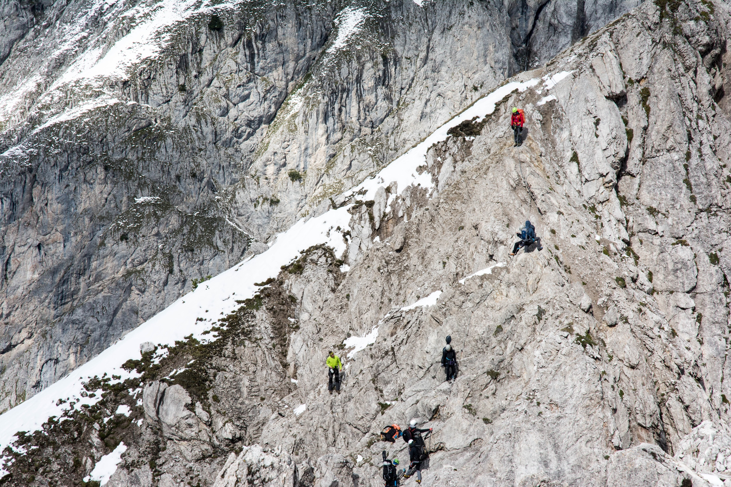 Klettersteig Wankspitze : Parasol peaku c u manu delagos musik vom klettersteig bergwelten