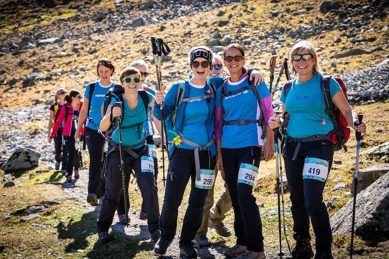 Frauen Berg Gaudi Sommer