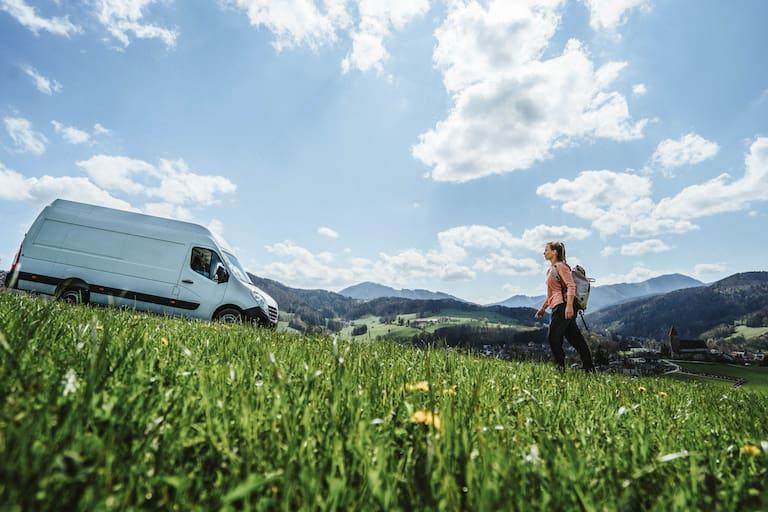 """Laura stellt euch unseren Bergwelten-Bus """"Vanda"""" vor"""