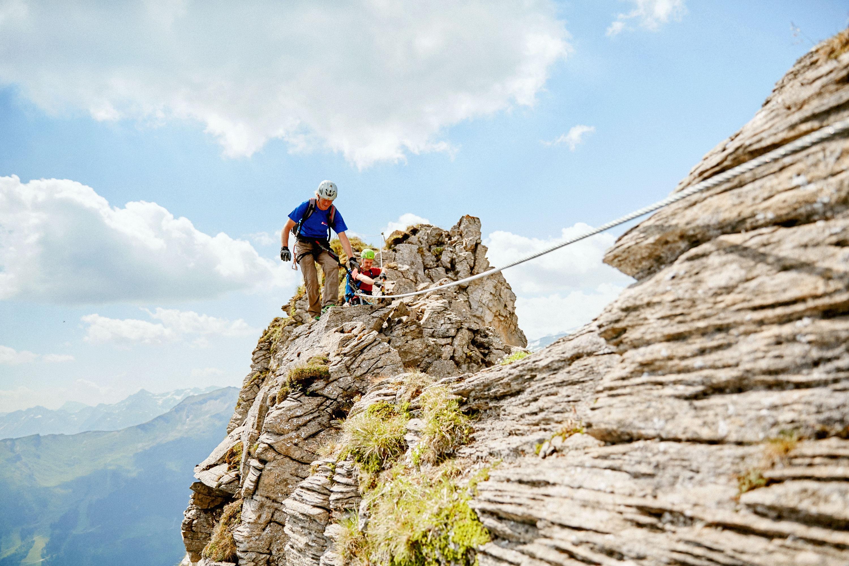 St Jodok Klettersteig : Klettersteig check der peter kofler steig c bergwelten