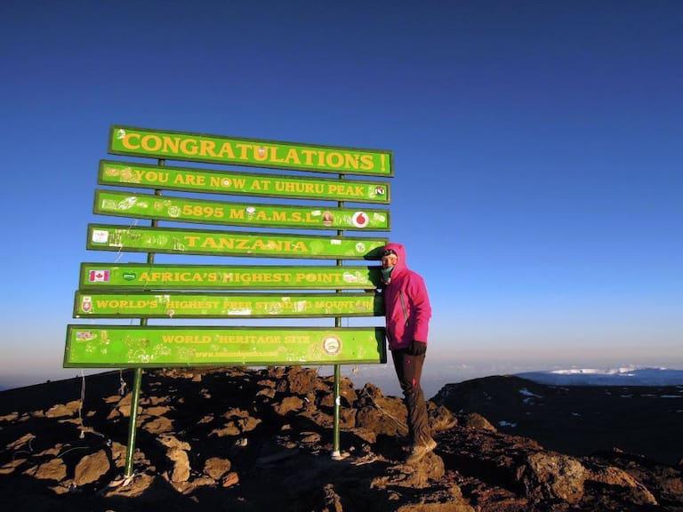 Dünne Luft: Am 5.895 Meter hohen Uhuru-Peak, dem Gipfel des Kilimanjaro