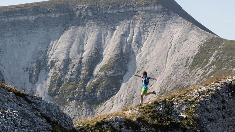 Wer beim Trailrunning ausschließlich ans Laufen in bergigen Landschaften denkt, täuscht sich.