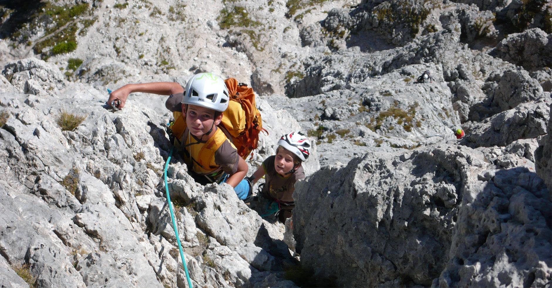 Klettergurt Kinder 8 Jahren : Klettern mit kindern ausrüstungstipps bergwelten