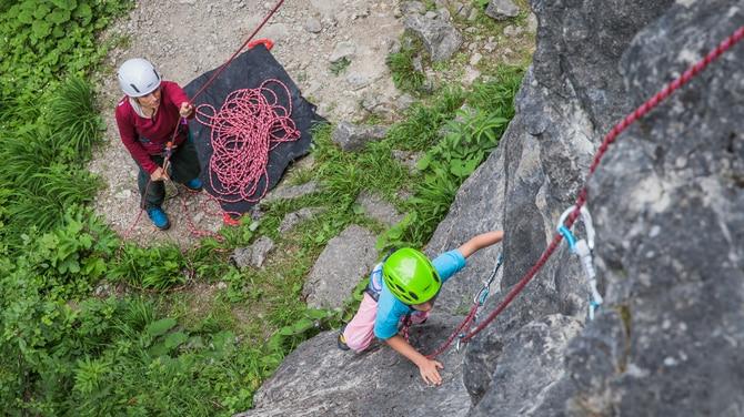Welche Kletterausrüstung Brauche Ich : Klettern mit kindern die richtige ausrüstung bergwelten