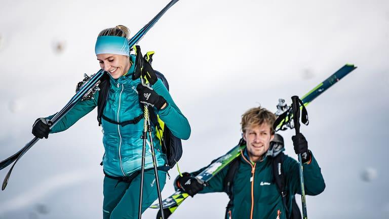 Leicht im Anstieg, wärmend am Gipfel - die HOODED JACKET SPEED PRIMALOFT® NEXT ist der ideale Begleiter für jede Skitour!
