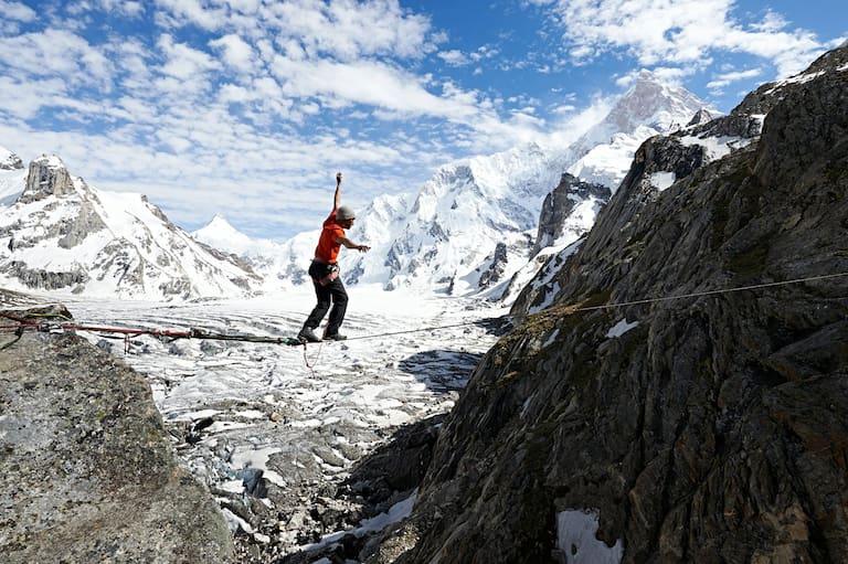 David Lama auf dem Weg zum Masherbrum, dem siebthöchsten Berg im Karakorum