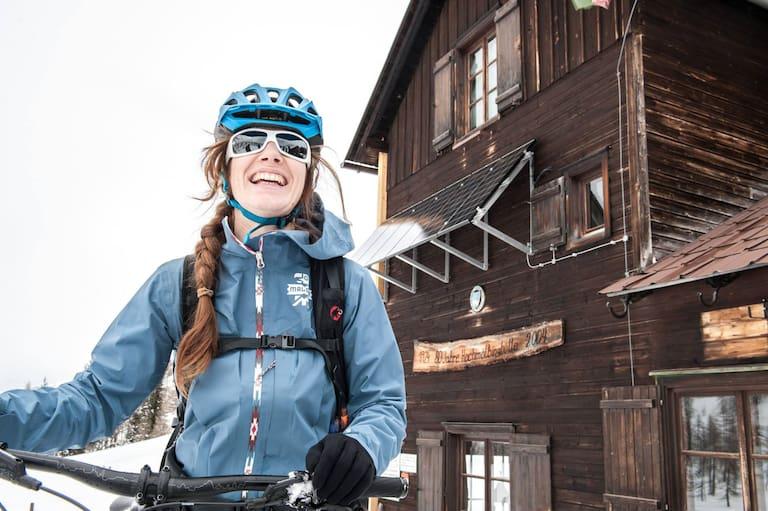 Maria Sendlhofer-Schag mit dem Bike