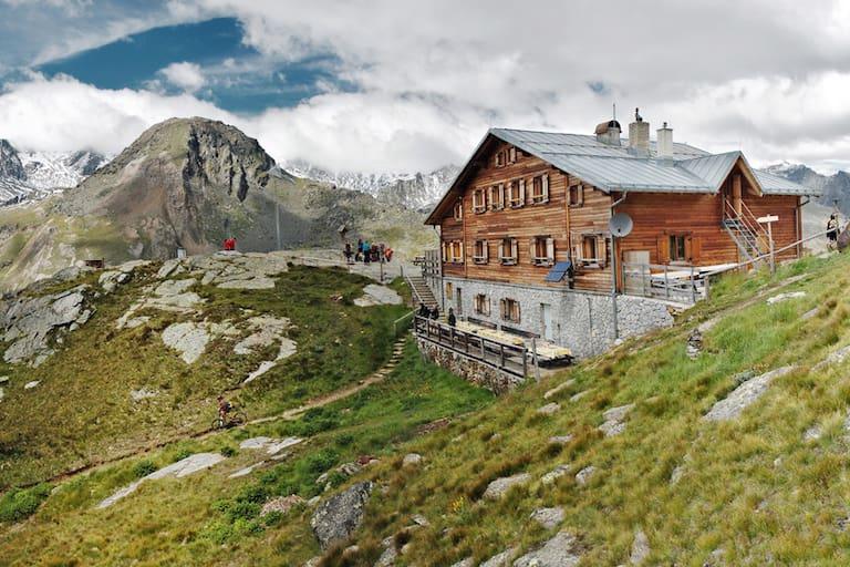 Die Marteller Hütte in den Ortler Alpen sucht ab Juni eine neue Pächterin oder einen neuen Pächter