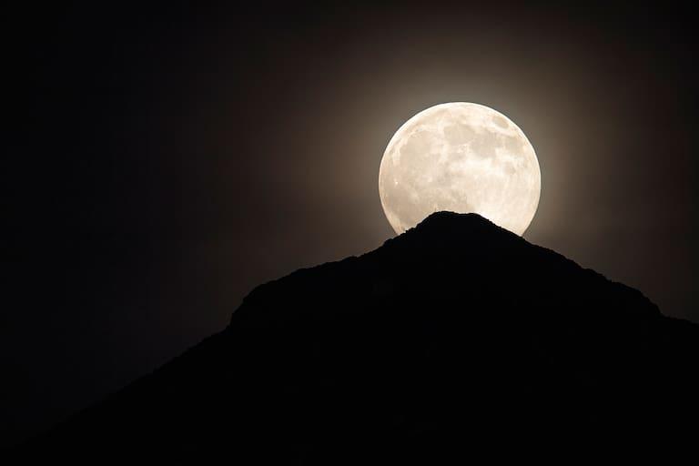 Mondaufgang am Hohen Eder in Tirol